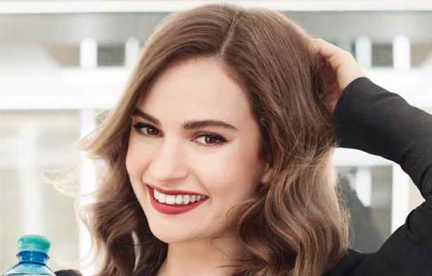 Lily James a Vöslauer új arca